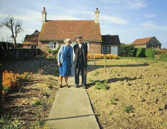 12 elderly couple photos